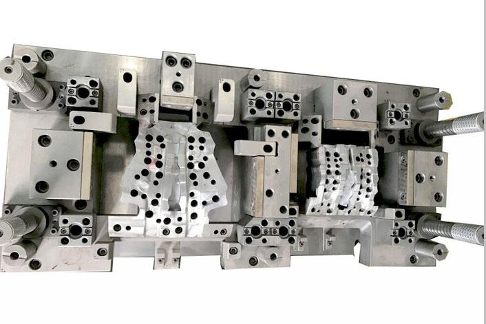 Steel metal die